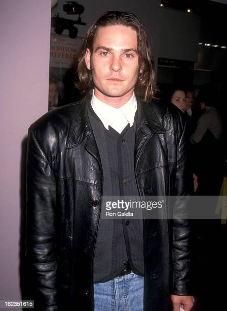 Actor Henry Thomas attends the Citizen Ruth West Hollywood Premiere on November 21 1996 at Laemmle's Sunset 5 in West Hollywood California