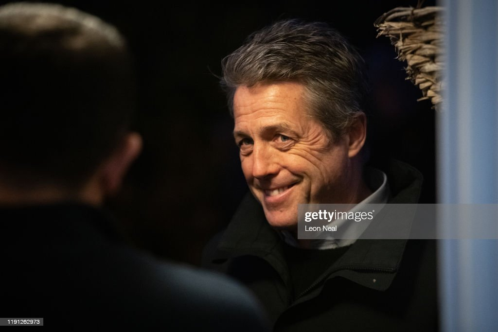 Hugh Grant Campaigning for Lib Dem, Luciana Berger in Finchley : ニュース写真