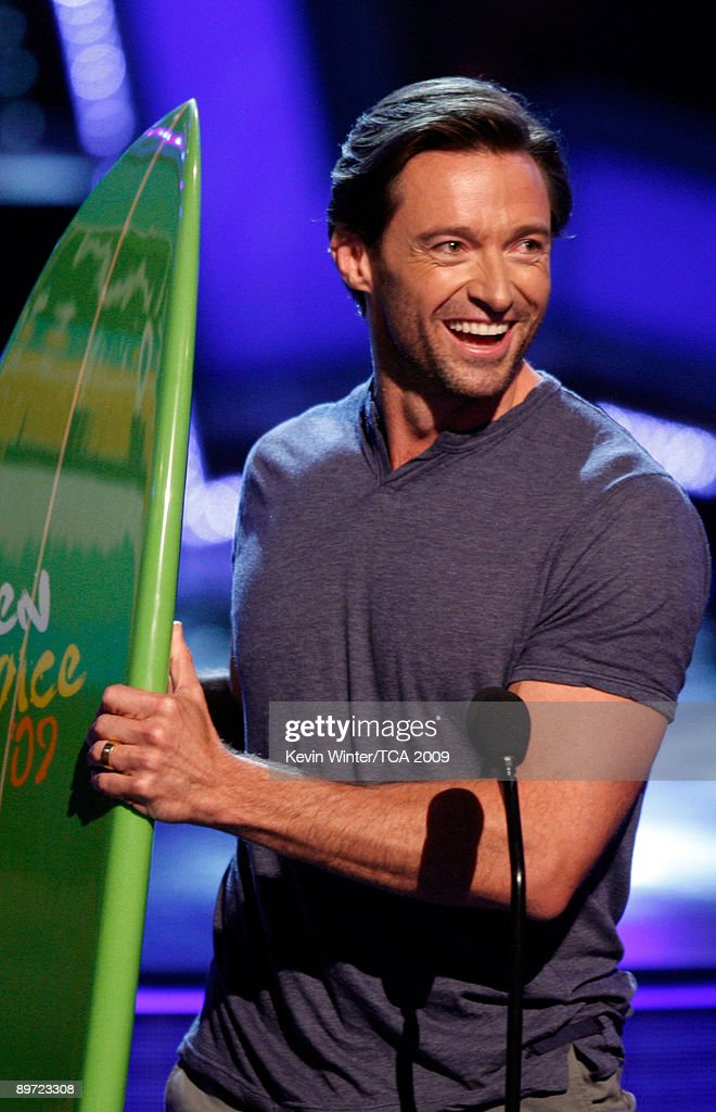 Actor Hugh Jackman accepts the Choice Movie Actor Action/Adventure award onstage during the 2009 Teen Choice Awards held at the Gibson Amphitheatre on August 9, 2009 in Universal City, California.