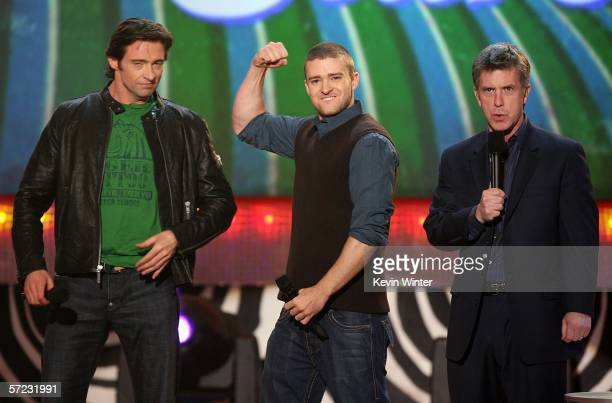 Actor Hugh Jackman Singer Justin Timberlake and Actor Tom Bergeron compete in a Burp Off Contest onstage at the 19th Annual Kid's Choice Awards held...