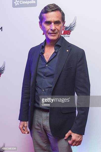 Actor Humberto Zurita attends the red carpet of the Mexican movie 'Eddie Reynolds y Los Angeles de Acero' at Cinepolis Diana on August 26 2015 in...