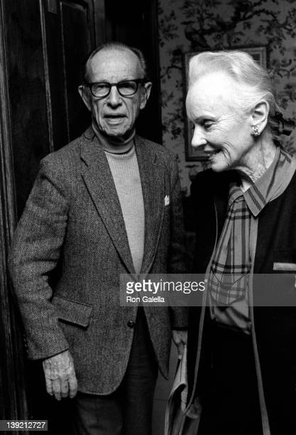 Actor Hume Cronyn and actress Jessica Tandy attend Kennedy Center Awards Honorees Luncheon on December 6 1987 at the Ritz Carlton Hotel in Washington...