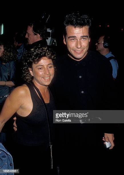 Actor Ian Buchanan and date attend the 'Slamdance' Hollywood Premiere on September 28 1987 at the Mann's Chinese Theatre in Hollywood California