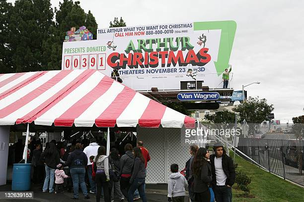Actor Ian Delaney plays Arthur Christmas as the12 Days of 'Arthur Christmas' kicks off across the country highlighted by the Living Billboard on LA's...