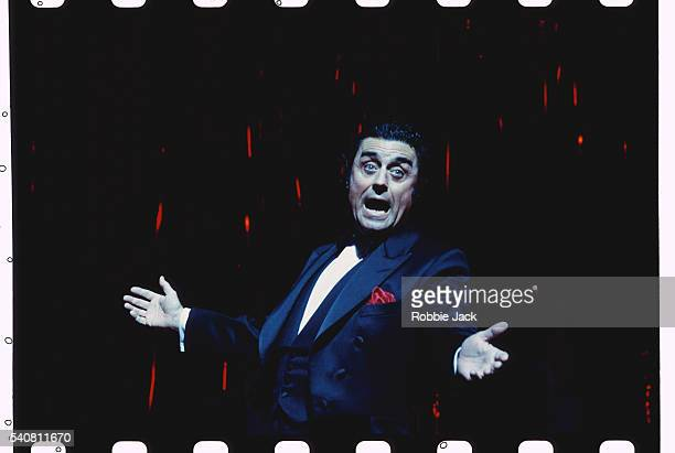 actor ian mcshane in the witches of eastwick - robbie jack stock-fotos und bilder