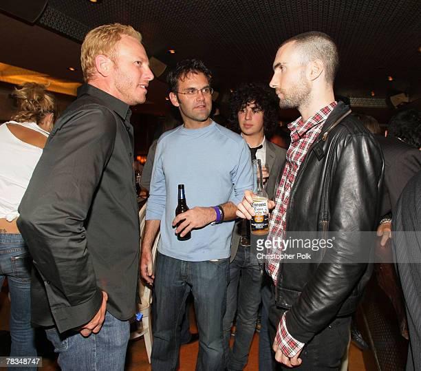 LAS VEGAS NOVEMBER 10 Actor Ian Ziering Michael Kernan and singer Adam Levine of Maroon 5 attend dinner at NOVE Italiano at The Palms Casino Resort...