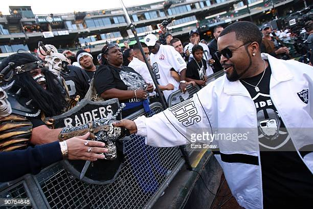Actor Ice Cube greets fans of the Oakland Raiders prior to the Raiders playing against the San Diego Chargers on September 14 2009 at the...