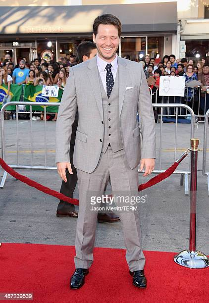 """Actor Ike Barinholtz attends Universal Pictures' """"Neighbors"""" premiere at Regency Village Theatre on April 28, 2014 in Westwood, California."""