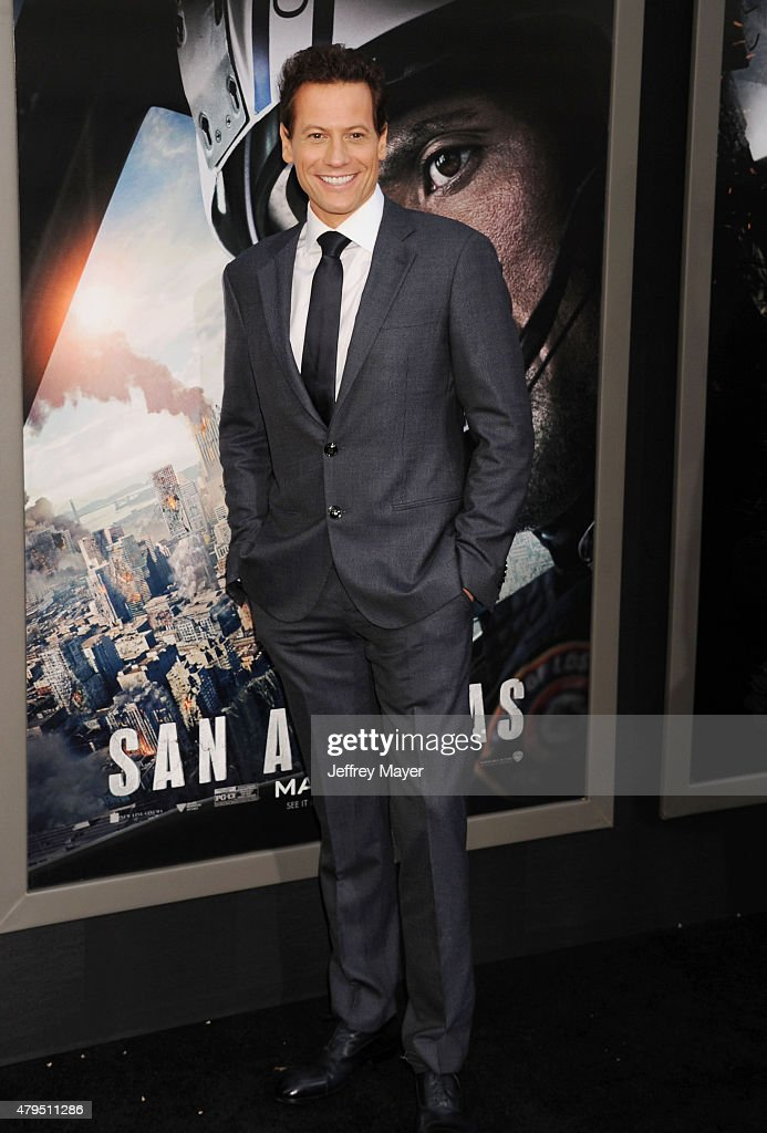 Actor Ioan Gruffudd arrives at the 'San Andreas' - Los Angeles Premiere at TCL Chinese Theatre IMAX on May 26, 2015 in Hollywood, California.