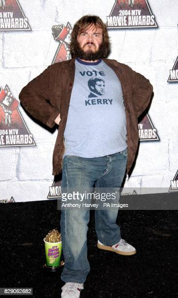 Actor Jack Black with his award for Best Comedic Performance for School of Rock at the MTV Movie Awards held at the Sony Studios Culver City
