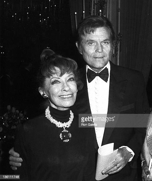 Actor Jack Lord and wife Gloria Berlin attend Tenth Annual American Film Institute Lifetime Achievement Awards Honoring Frank Capra on March 4 1982...