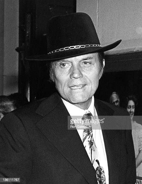 Actor Jack Lord attends the premiere of 'Morning At 7' on October 11 1980 at the Lyceum Theater in New York City