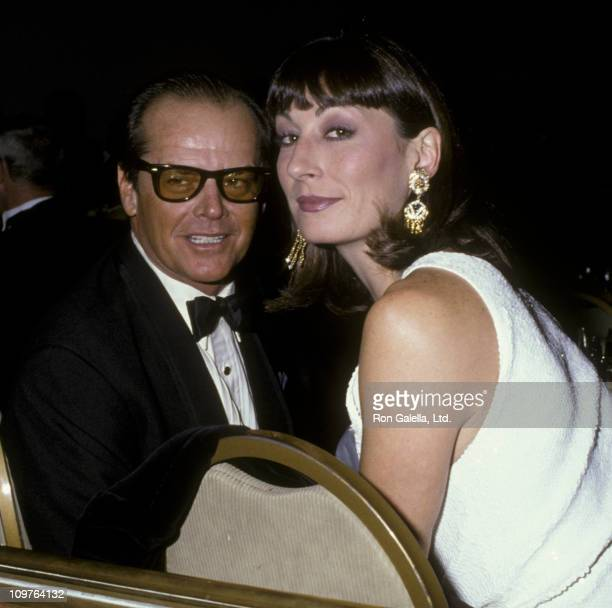 Actor Jack Nicholson and Anjelica Huston attend 38th Annual Director's Guild of America Awards on March 8, 1986 at the Beverly Hilton Hotel in...