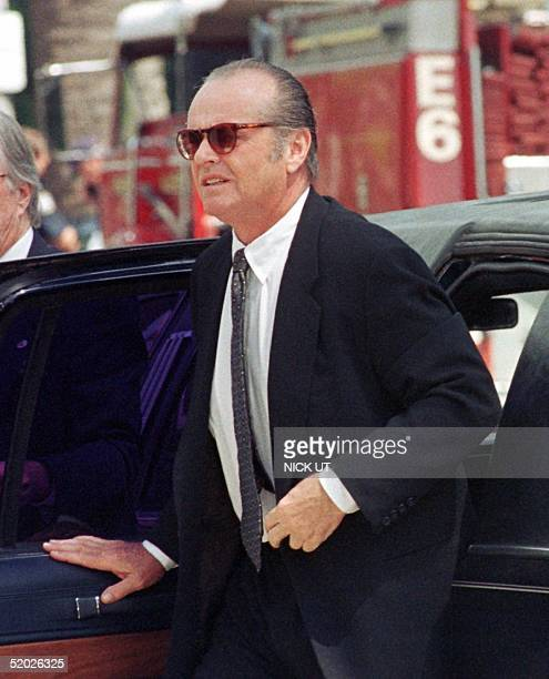 US actor Jack Nicholson arrives for the funeral of legendary entertainer Frank Sinatra at the Good Shepard Catholic Church in Beverly Hills 20 May...