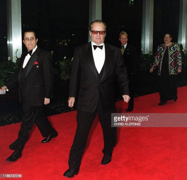 US actor Jack Nicholson arrives for the Kennedy Center Honors ceremony 01 December 2001 in Washington DC Nicholson is being honored at the annual...