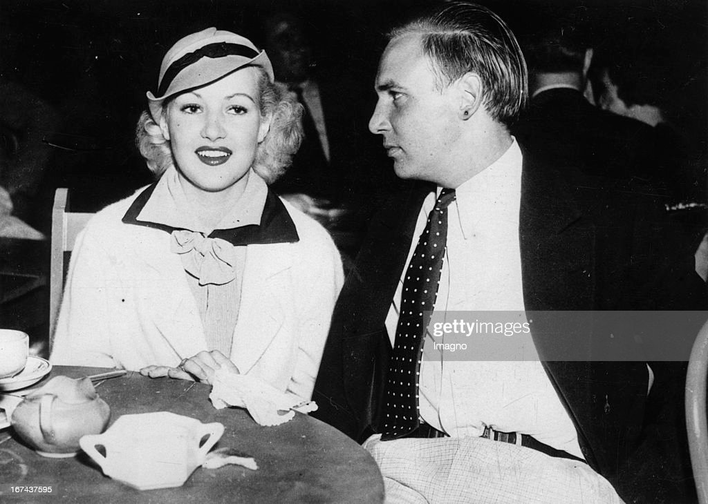 Actor Jackie Coogan and Betty Grable in the | Kings Club | Hollywood. About 1930. Photograph. (Photo by Imagno/Getty Images) Schauspieler Jackie Coogan und Betty Grable im | Kings Club | in Hollywood. Um 1930. Photographie.
