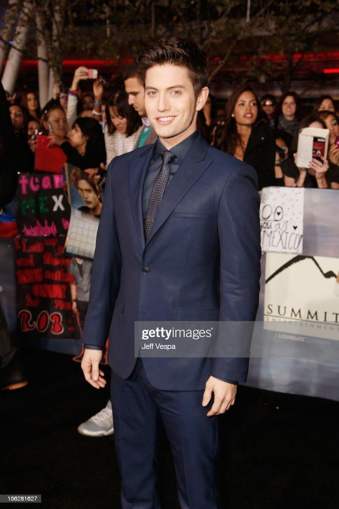 """The Twilight Saga: Breaking Dawn - Part 2"" Los Angeles Premiere - Red Carpet"