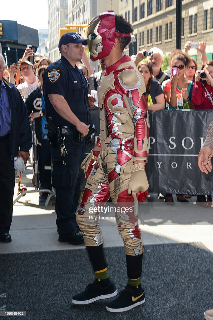 Actor Jaden Smith enters his Soho hotel on May 29, 2013 in New York City.