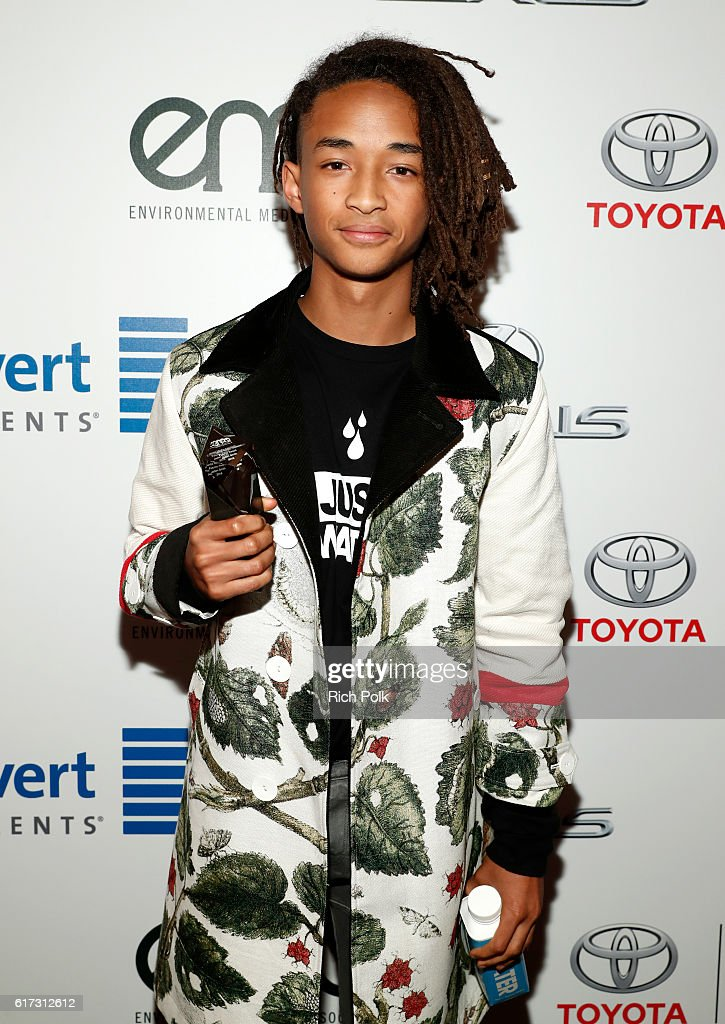 Actor Jaden Smith poses with award during the Environmental Media Association 26th Annual EMA Awards Presented By Toyota, Lexus And Calvert at Warner Bros. Studios on October 22, 2016 in Burbank, California.
