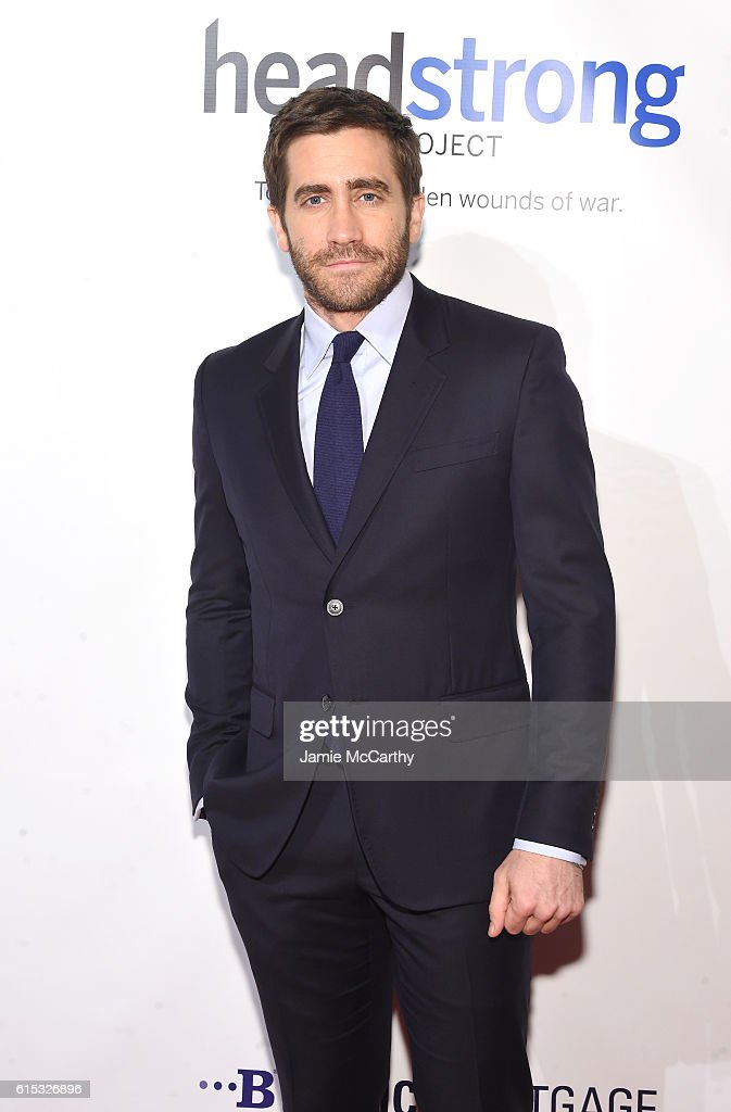 Actor Jake Gyllenhaal attends Headstrong Project Words Of War Gala at Pier 60 on October 17, 2016 in New York City.