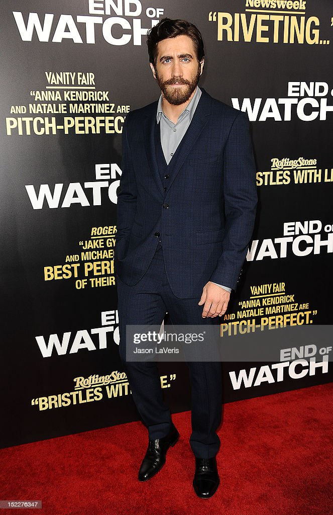 Actor Jake Gyllenhaal attends the premiere of 'End of Watch' at Regal Cinemas L.A. Live on September 17, 2012 in Los Angeles, California.