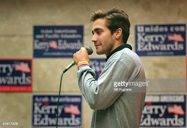 Actor Jake Gyllenhaal speaks at a Democratic nominee Sen John Kerry rally at Michigan State University October 29 2004 in East Lansing Michigan