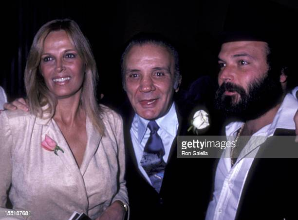 Actor Jake LaMotta and wife Vicki LaMotta attend the premiere of Raging Bull on November 13 1980 at the Sutton Theater in New York City