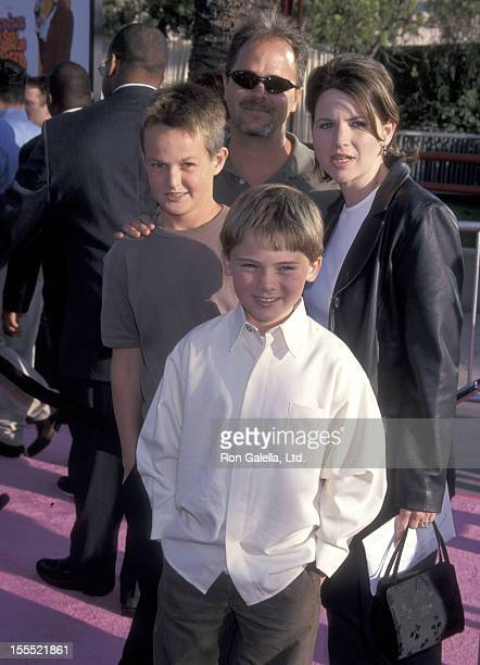 Actor Jake Lloyd brother Peter Lloyd father William Lloyd and mother Lisa Lloyd attend the Austin Powers The Spy Who Shagged Me Universal City...