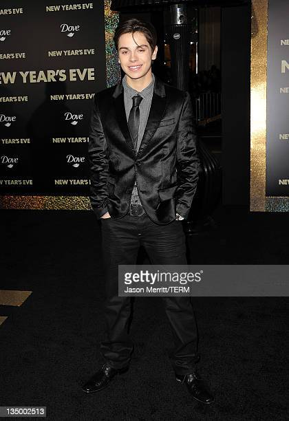 Actor Jake T Austin arrives at the premiere of Warner Bros Pictures' New Year's Eve at Grauman's Chinese Theatre on December 5 2011 in Hollywood...