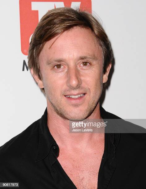 Actor Jake Weber attends the CBS fall preview party presented by TV Guide at The Paley Center for Media on September 11, 2009 in Beverly Hills,...