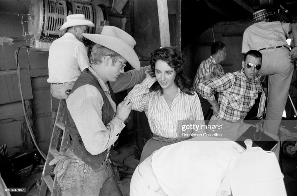 """James Dean And Liz Taylor During The Filming of """"Giant"""" : News Photo"""