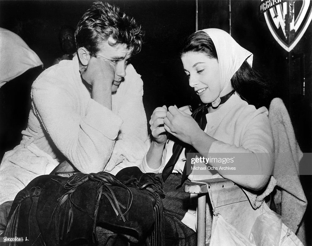 James Dean And Pier Angeli : News Photo