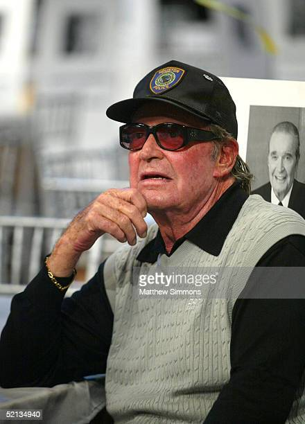 Actor James Garner waits to rehearse for the 11th Annual Screen Actors Guild Awards at the Shrine Auditorium on February 4, 2005 in Los Angeles,...