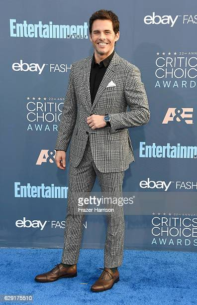 Actor James Marsden attends The 22nd Annual Critics' Choice Awards at Barker Hangar on December 11 2016 in Santa Monica California
