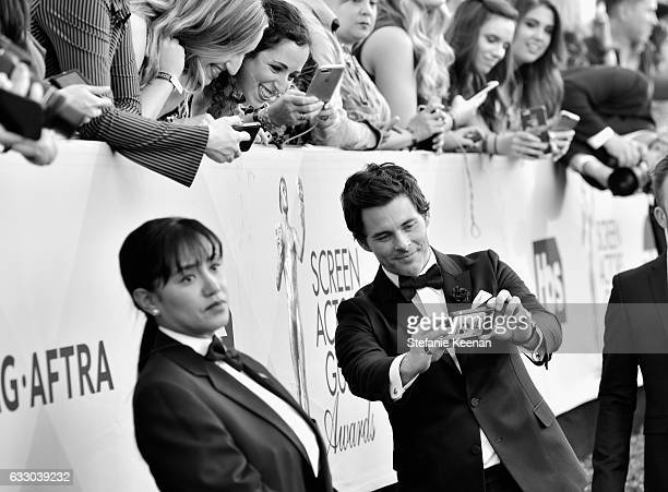 Actor James Marsden poses for a 'selfie' with fans at The 23rd Annual Screen Actors Guild Awards at The Shrine Auditorium on January 29 2017 in Los...