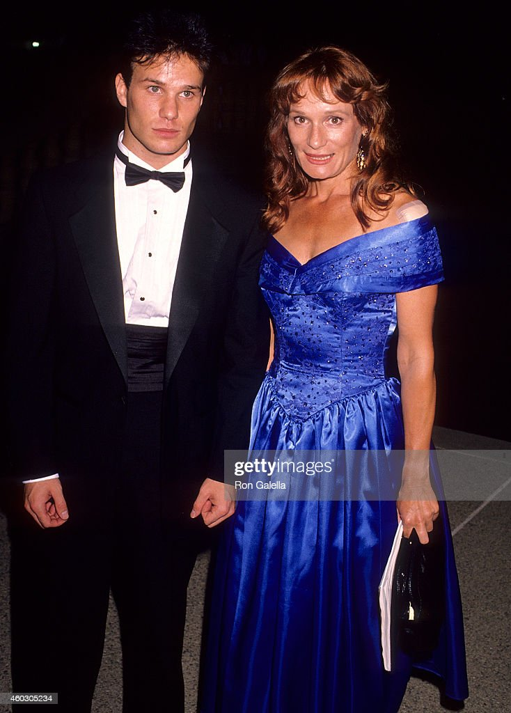 Actor James Marshall and actress Wendy Robie attend the 42nd Annual Primetime Emmy Awards on September 16, 1990 at the Pasadena Civic Auditorium in Pasadena, California.
