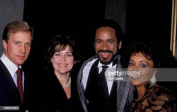 Actor Jameson Parker wife Bonnie Parker actor Tim Reid and wife Daphne Maxwell attend Tribute Dinner Honoring Bud Grant on December 13 1985 at the...