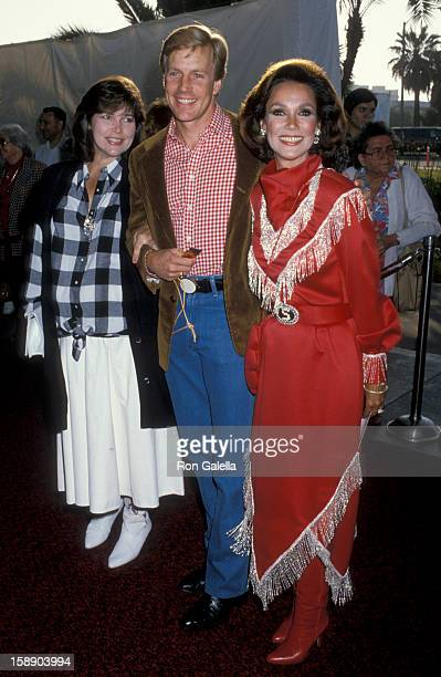 Actor Jameson Parker wife Bonnie Parker and actress Mary Ann Mobley attend 33rd Annual SHARE Boomtown Party on May 17 1986 at the Santa Monica Civic...