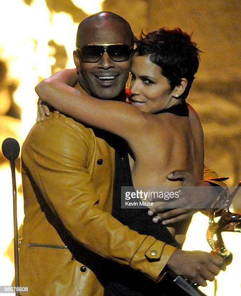 Actor Jamie Foxx and actress Halle Berry onstage at Spike TV's 2009 Guys Choice Awards held at the Sony Studios on May 30 2009 in Los Angeles...