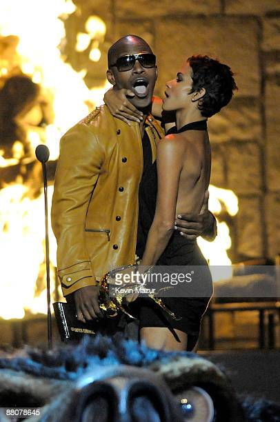 Actor Jamie Foxx and actress Halle Berry onstage at Spike TV's 2009 'Guys Choice Awards' held at the Sony Studios on May 30 2009 in Los Angeles...
