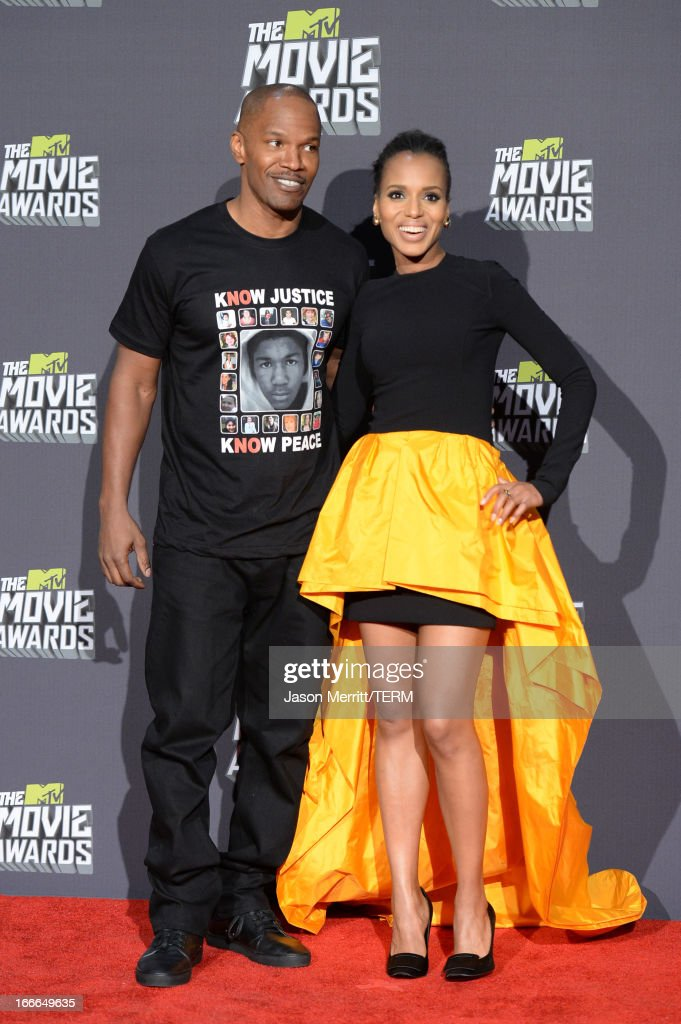 Actor Jamie Foxx, winner of the MTV Generation Award and Best Fight for 'Django Unchained,' and actress Kerry Washington pose in the press room during the 2013 MTV Movie Awards at Sony Pictures Studios on April 14, 2013 in Culver City, California.