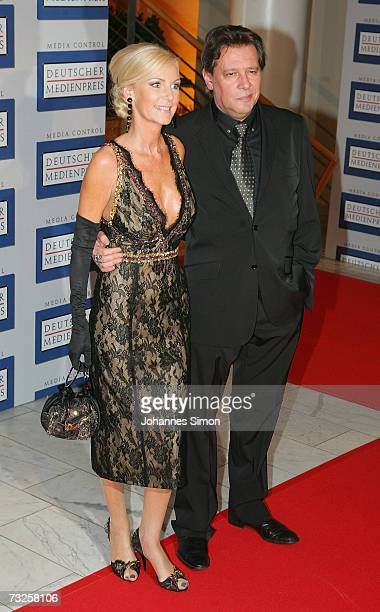 Actor Jan Fedder and his wife Marion arrive at the 15th German Media Award 2006 at the Congress Hall on February 7 2007 in BadenBaden Germany