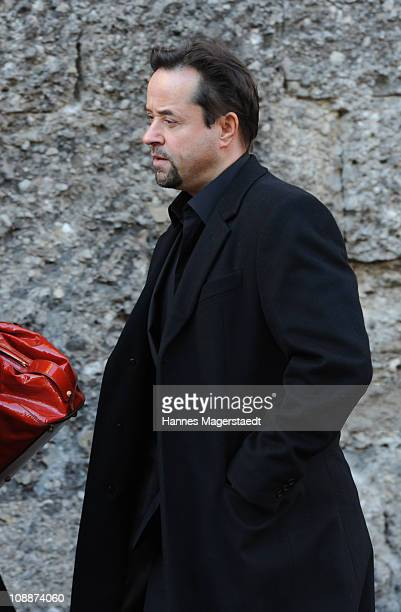 Actor Jan Josef Liefers attends the memorial service for Bernd Eichinger at the St Michael Kirche on February 07 2011 in Munich Germany Producer...