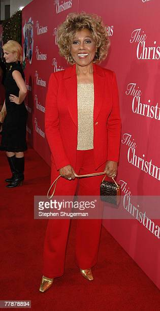 Actor Ja'net Du Bois attends the premiere of Screen Gems This Christmas at the Cinerama Dome on November 12 2007 in Hollywood California