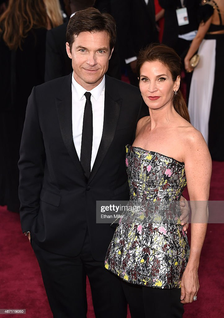 Actor Jason Bateman (L) and Amanda Anka attend the 87th Annual Academy Awards at Hollywood & Highland Center on February 22, 2015 in Hollywood, California.