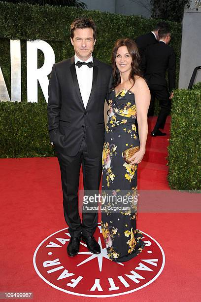 Actor Jason Bateman and wife actress Amanda Anka arrive at the Vanity Fair Oscar party hosted by Graydon Carter held at Sunset Tower on February 27...