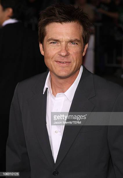 Actor Jason Bateman and wife Amanda Anka arrive at the Los Angeles Premiere The Kingdom at the Mann Village Theater on September 17 2007 in Westwood...