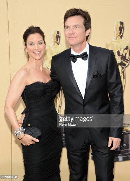 Actor Jason Bateman and wife Amanda Anka arrives at the 82nd Annual Academy Awards at the Kodak Theatre on March 7 2010 in Hollywood California