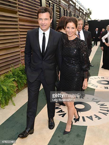 Actor Jason Bateman and wife Amanda Anka attend the 2014 Vanity Fair Oscar Party Hosted By Graydon Carter on March 2 2014 in West Hollywood California