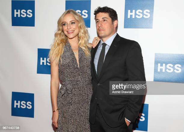 Actor Jason Biggs and Actress Jenny Mollen attend The Hospital for Special Surgery 35th Tribute Dinner at the American Museum of Natural History on...